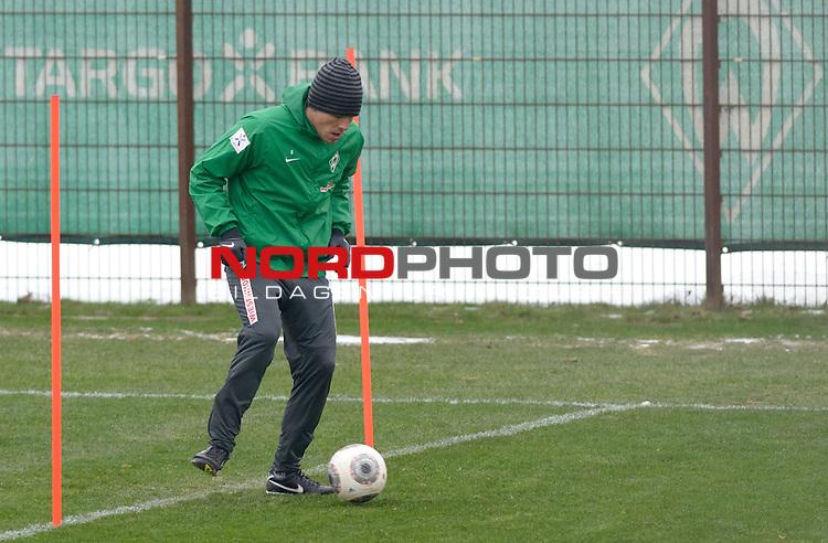 29.01.2014, Trainingsgelaende, Bremen, GER, 1.FBL, Training Werder Bremen, im Bild Clemens Fritz (Bremen #8)<br /> <br /> Foto &copy; nordphoto / Frisch