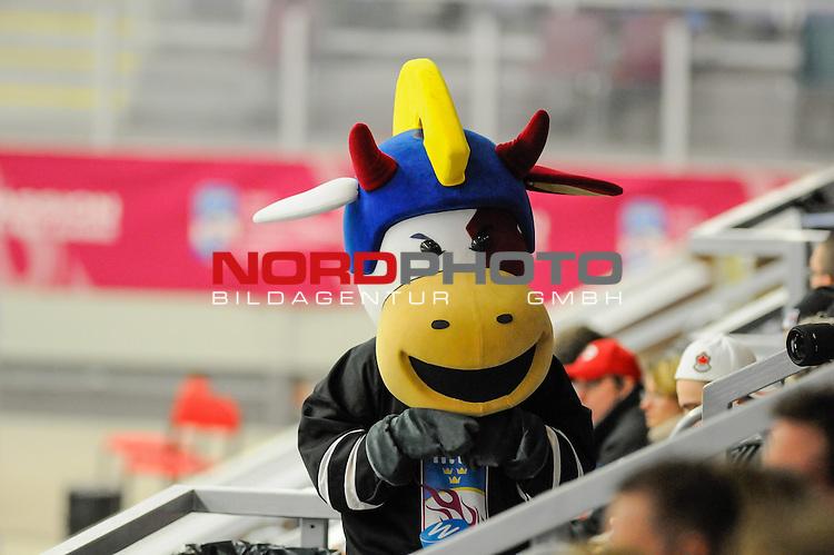 31.03.2015, Malm&ouml; Ishall, Malm&ouml; , SWE, IIHF Eishockey Frauen WM 2015, Deutschland (GER) vs Schweden SWE), im Bild WM Maskottchen<br /> <br /> <br /> ***** Attention nur f&uuml;r redaktionelle Berichterstattung *****<br /> <br /> Foto &copy; nordphoto / Hafner