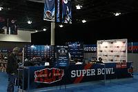 Innenraum des Media Center im Broward County Convention Center in Fort Lauderdale<br /> Super Bowl XLIV Media Day, Sun Life Stadium *** Local Caption *** Foto ist honorarpflichtig! zzgl. gesetzl. MwSt. Auf Anfrage in hoeherer Qualitaet/Aufloesung. Belegexemplar an: Marc Schueler, Alte Weinstrasse 1, 61352 Bad Homburg, Tel. +49 (0) 151 11 65 49 88, www.gameday-mediaservices.de. Email: marc.schueler@gameday-mediaservices.de, Bankverbindung: Volksbank Bergstrasse, Kto.: 52137306, BLZ: 50890000