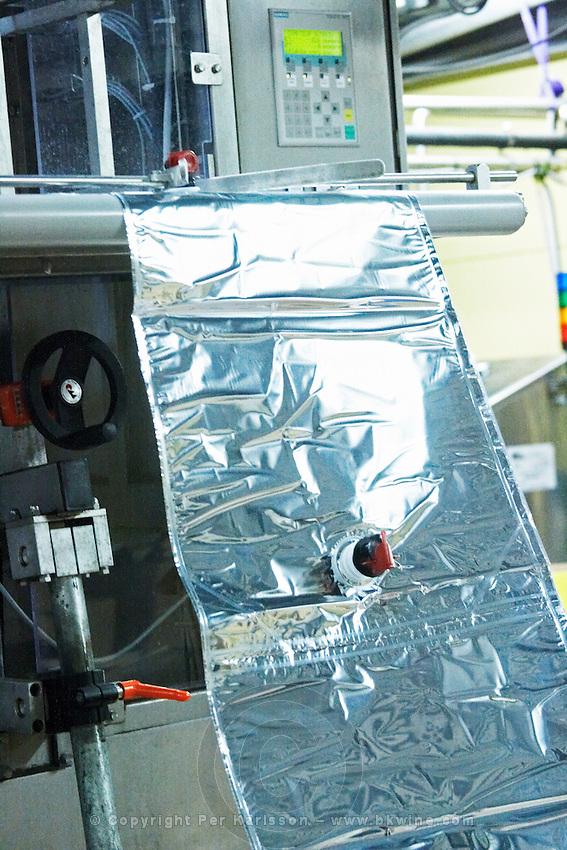 bag in box bottling line empty bags cellier des chartreux rhone france