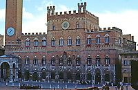 Siena:  Court of Chapel--Palazzo Pubblico.  Photo '83.