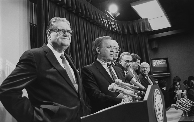 Senate Ethics Committee making an announcement on Keating 5 hearing. Special Counsel Sen. Bob Bennett, R-Utah, just to right of Sen. Terry Sanford, D-N.C., on Feb. 27, 1991. (Photo by Maureen Keating/CQ Roll Call via Getty Images)