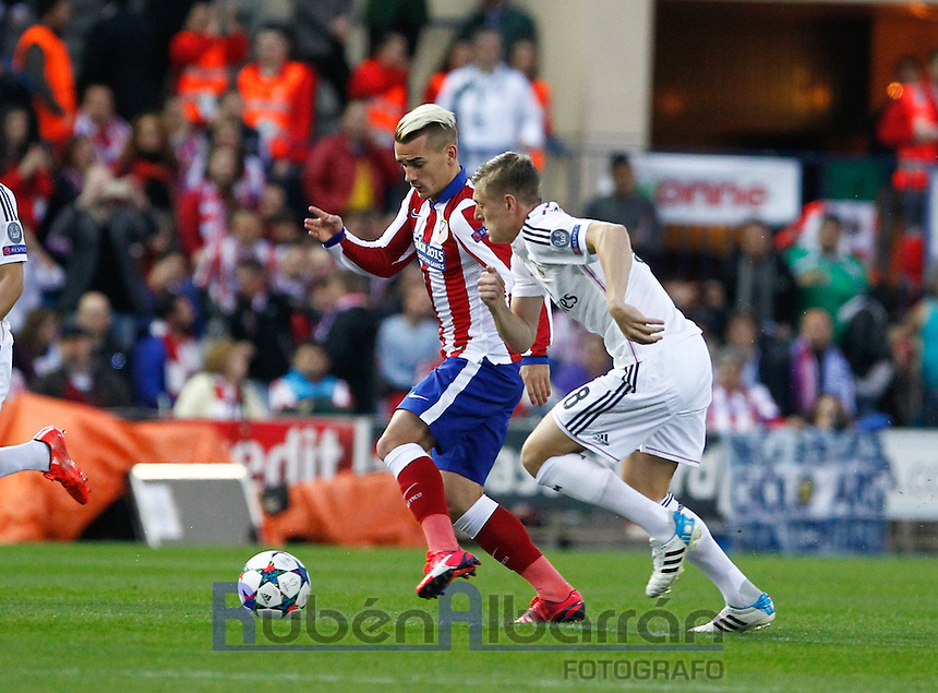 Atletico Madrid´s French forward Antoine Griezmann and Real Madrid's German midfielder Tony Kroos
