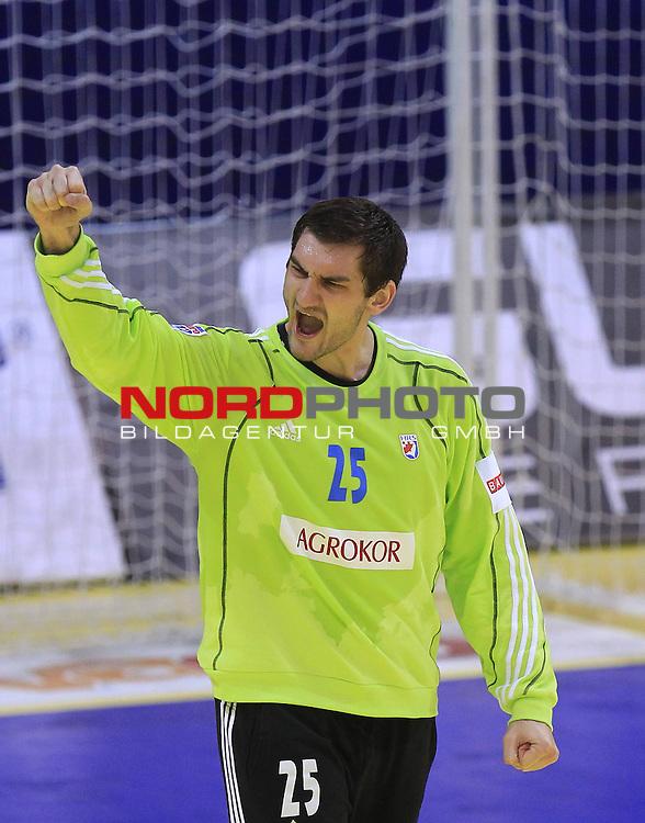 18.01.2012., Millennium Hall, Vrsac, Srbija - 10th men's european handball championship, group D, Slovenia - Croatia. Mirko Alilovic. <br /> <br /> Foto &copy;  nph / PIXSELL / Antonio Bronic