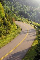 road, Blue Ridge Parkway, NC, North Carolina, The Blue Ridge Parkway is a scenic drive through the mountains of North Carolina.