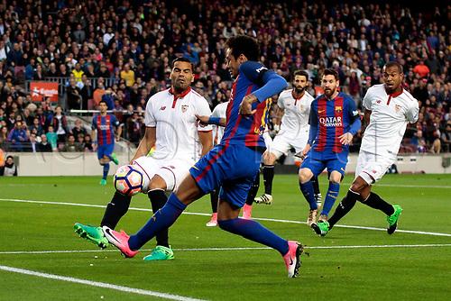 April 5th 2017, Nou Camp, Barcelona, Spain, Spanish La Liga football, FC Barcelona versus Espanyol;   Neymar crosses into the box from the bye-line