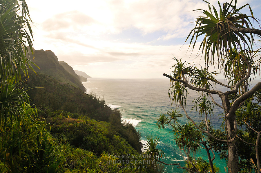 Scenic view of Napali Coast from Kalalau Trail, Northshore, Kauai, Hawaii