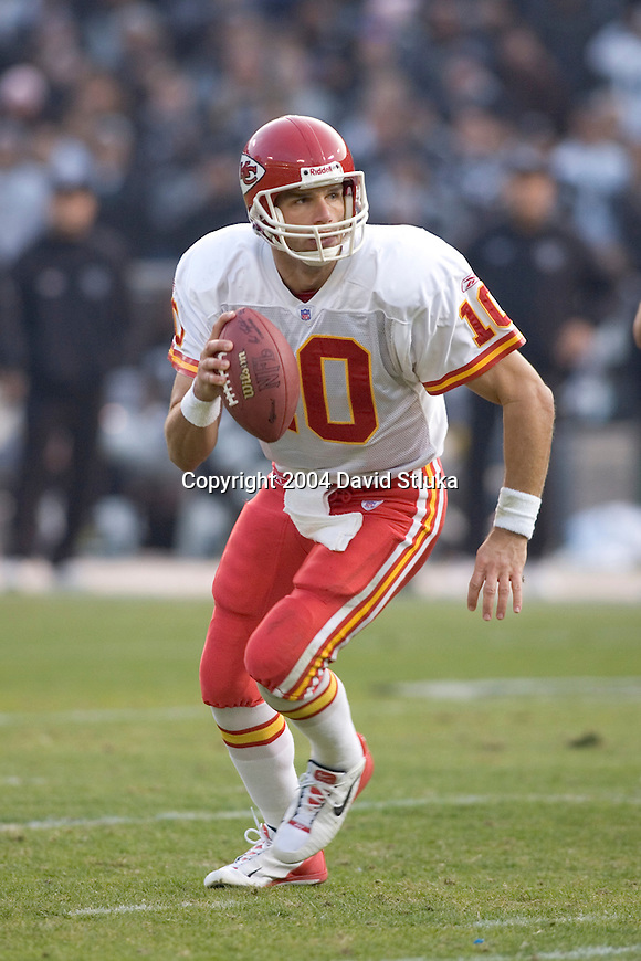 Kansas City Chiefs quarterback Trent Green(10) during an NFL football game against the Oakland Raiders at Network Associates Coliseum on December 5, 2004 in Oakland, California. The Chiefs defeated the Raiders 34-27. (Photo by David Stluka)