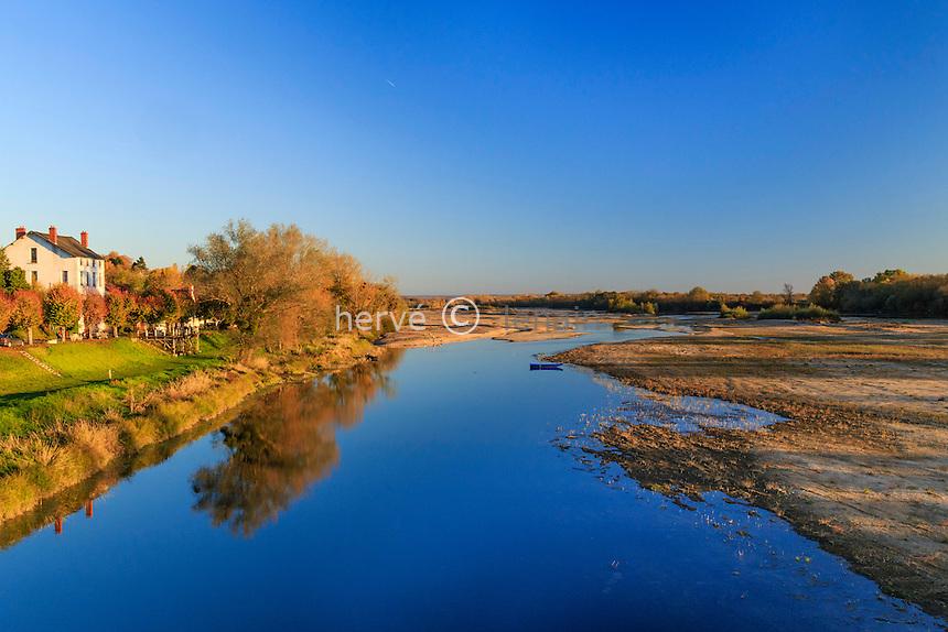 France, Nièvre (58), Pouilly-sur-Loire, la Loire en automne // France, Nievre, Pouilly sur Loire, the Loire fall