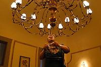 Manutenzione dei grandi lampadari . Maintenance of large chandeliers...Villa Grazioli è un raffinato albergo della catena internazionale Relais & Chateaux..Fu costruita dal Cardinale Antonio Carafa nel 1580 e racchiude tra le sue mura opere d'arte dei maestri del XVI e XVII secolo, Ciampelli, Carracci e G.P. Pannini. .Villa Grazioli is a sophisticated international hotel chain Relais & Chateaux. .It was built by Cardinal Antonio Carafa in 1580 and contains works of art of the sixteenth and seventeenth century, of Ciampelli, Carracci and GP Pannini....