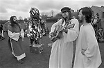 Avebury Wiltshire, Druid wedding blessing event. 1996.Bardic singer and songwriter Steve Andrews.