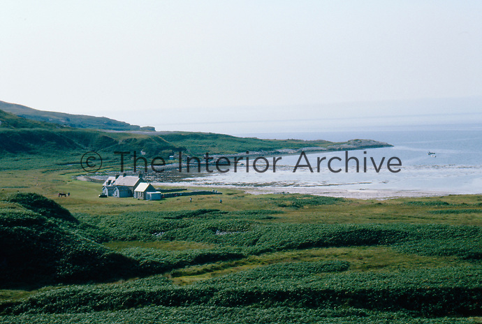 The idyllic location of the bothy on a stretch of sandy beach overlooks the islands of the Inner Hebrides