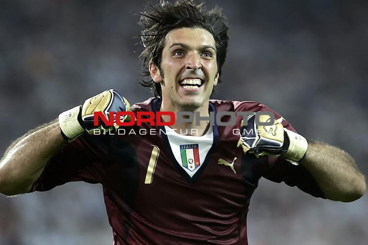 FIFA WM 2006 -  Semi Finals / Halbfinale<br /> Play    #61 (04-Juli) - Deutschland - Italien<br /> <br /> Jubel bei BUFFON<br /> <br /> Foto &copy; nordphoto