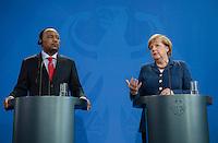 Berlin, 20130508CB029, Bundeskanzlerin Angela Merkel (CDU) und der Staatspräsident der Republik Niger, Mahamadou Issoufou, am Mittwoch (08.05.13) im Bundeskanzleramt in Berlin bei einer Pressebegegnung