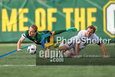 24 September 2016: Dartmouth College Big Green Midfielder/Forward Matt Greer, a Junior from Chadds Ford, PA, battles University of Vermont Catamount Midfielder Jackson Dayton, a Senior from San Francisco, CA, at Virtue Field in Burlington, Vermont. The teams played to an overtime 1-1 tie in front of an Alumni Weekend crowd of 1,710 fans. Mandatory Credit: Ed Wolfstein Photo *** RAW (NEF) Image File Available ***