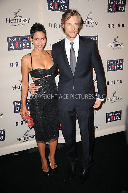 WWW.ACEPIXS.COM . . . . . ....October 15 2009, New York City....Actress Halle Berry and Gabriel Aubry arriving at th  'Keep A Child Alive's 6th Annual Black Ball'  hosted by Alicia Keys and Padma Lakshmi at Hammerstein Ballroom on October 15, 2009 in New York City.....Please byline: KRISTIN CALLAHAN - ACEPIXS.COM.. . . . . . ..Ace Pictures, Inc:  ..tel: (212) 243 8787 or (646) 769 0430..e-mail: info@acepixs.com..web: http://www.acepixs.com