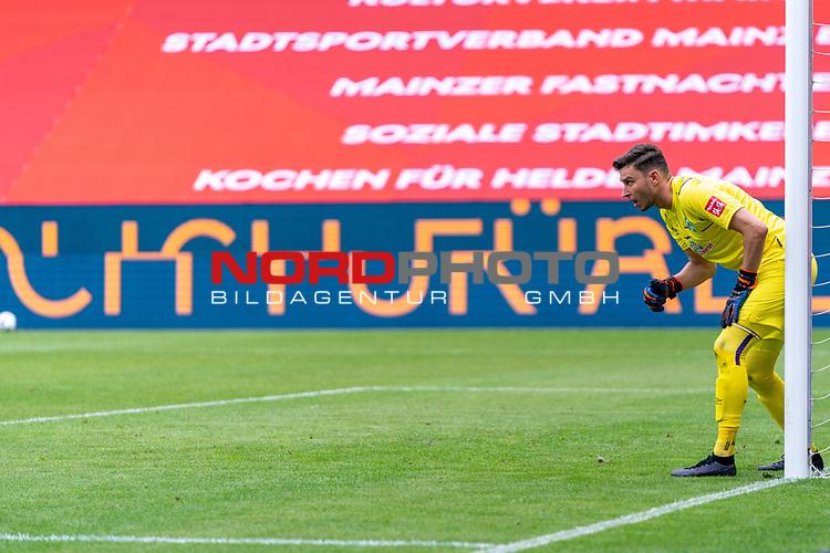 Jiri Pavlenka (Werder Bremen #01)<br /> <br /> <br /> Sport: nphgm001: Fussball: 1. Bundesliga: Saison 19/20: 33. Spieltag: 1. FSV Mainz 05 vs SV Werder Bremen 20.06.2020<br /> <br /> Foto: gumzmedia/nordphoto/POOL <br /> <br /> DFL regulations prohibit any use of photographs as image sequences and/or quasi-video.<br /> EDITORIAL USE ONLY<br /> National and international News-Agencies OUT.