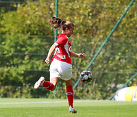 Standard's Davinia Vanmechelen (25) with the ball during a female soccer game between Standard Femina de Liege and Oud Heverlee Leuven on the second matchday of the 2020 - 2021 season of Belgian Scooore Women s SuperLeague , saturday 5 th of September 2020  in Angleur , Belgium . PHOTO SPORTPIX.BE | SPP | SEVIL OKTEM