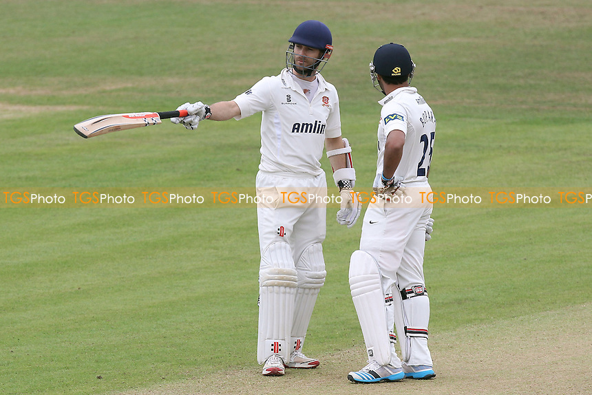 James Foster (L) and Ravi Bopara enjoy a useful partnership for Essex - Leicestershire CCC vs Essex CCC - LV County Championship Division Two Cricket at Grace Road, Leicester - 16/09/14 - MANDATORY CREDIT: Gavin Ellis/TGSPHOTO - Self billing applies where appropriate - contact@tgsphoto.co.uk - NO UNPAID USE