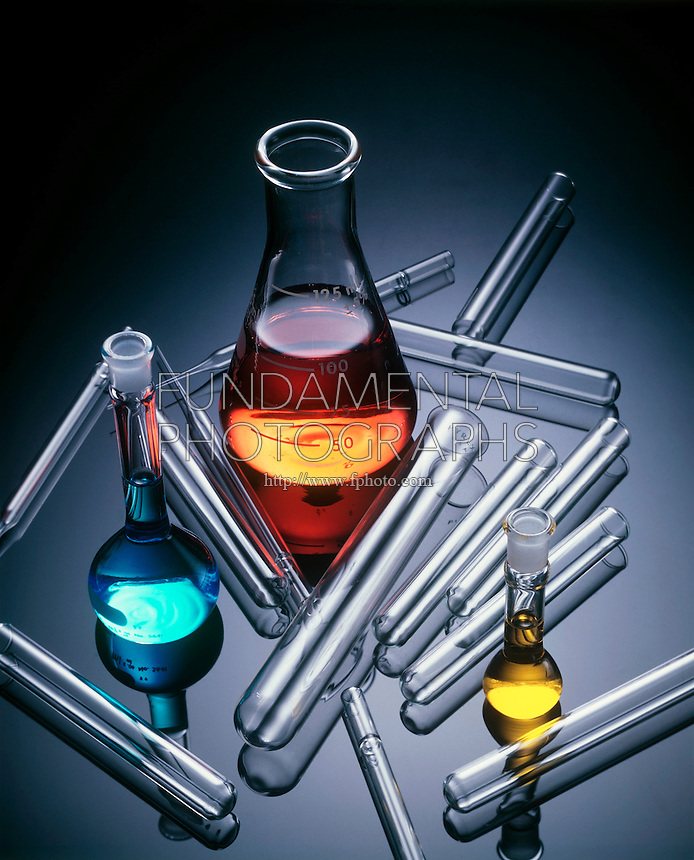 LABGLASS: SOLUTIONS IN FLASKS WITH TEST TUBES<br />