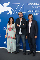 "Fernando Leon de Aranoa, Penelope Cruz, Javier Bardem at the ""Loving Pablo"" photocall, 74th Venice Film Festival in Italy on 6 September 2017.<br /> <br /> Photo: Kristina Afanasyeva/Featureflash/SilverHub<br /> 0208 004 5359<br /> sales@silverhubmedia.com"