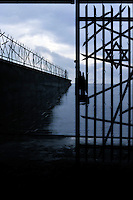 27 gennaio.Il giorno della memoria della Shoah..Il Campo di concentramento di Dachau fu un campo di concentramento nazista creato nei pressi della cittadina di Dachau, a nord di Monaco di Baviera, nel sud della Germania.Il campo venne costruito sul sito di una vecchia fabbrica in disuso e completato il 21 marzo 1933. Insieme con il campo di sterminio di Auschwitz, Dachau è nell'immaginario collettivo, il simbolo dei campi di concentramento nazisti..January 27.The day of memory of the Holocaust.Dachau concentration camp was the first Nazi concentration camp opened in Germany in March 1933,it was located on  abandoned  factory near  Munich in the state of Bavaria...