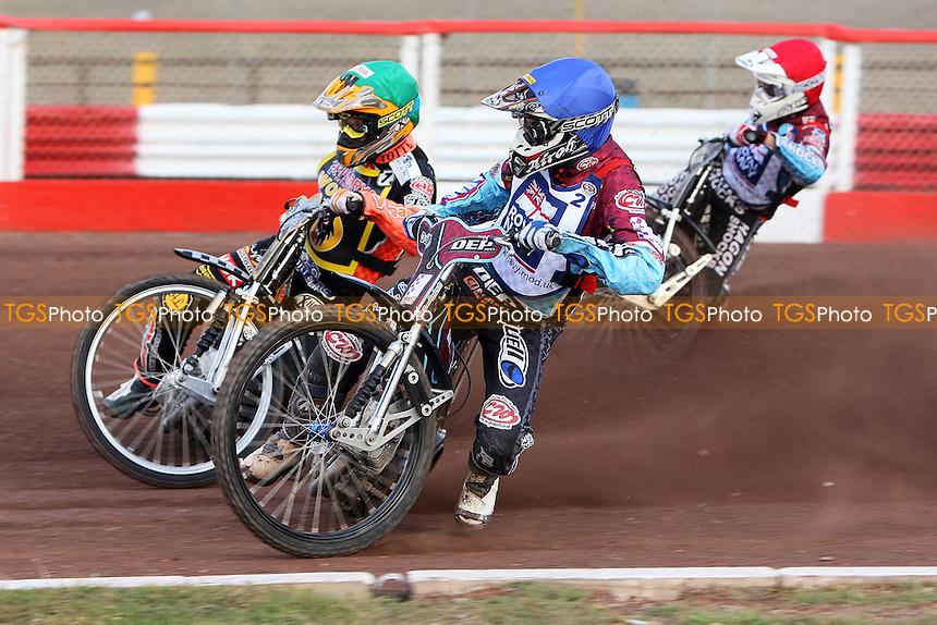 Heat 1: Fredrik Lindgren (green), Kauko Nieminen (blue) and Lee Richardson - Sky Sports Elite League Speedway at Arena Essex Raceway, Purfleet, Essex - 24/06/09- MANDATORY CREDIT: Gavin Ellis/TGSPHOTO - Self billing applies where appropriate - 0845 094 6026 - contact@tgsphoto.co.uk - NO UNPAID USE.