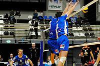 GRONINGEN - Volleybal, Lycurgus - Taurus,  seizoen 2018-2019, 08-12-2018 blok met Lycurgus speler Wytze Kooistra