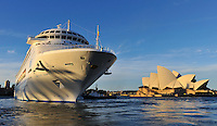 SYDNEY, 10 JULY 2008 - The P&O Pacific Dawn sails out of Sydney Harbour. Photo Sydney Low.