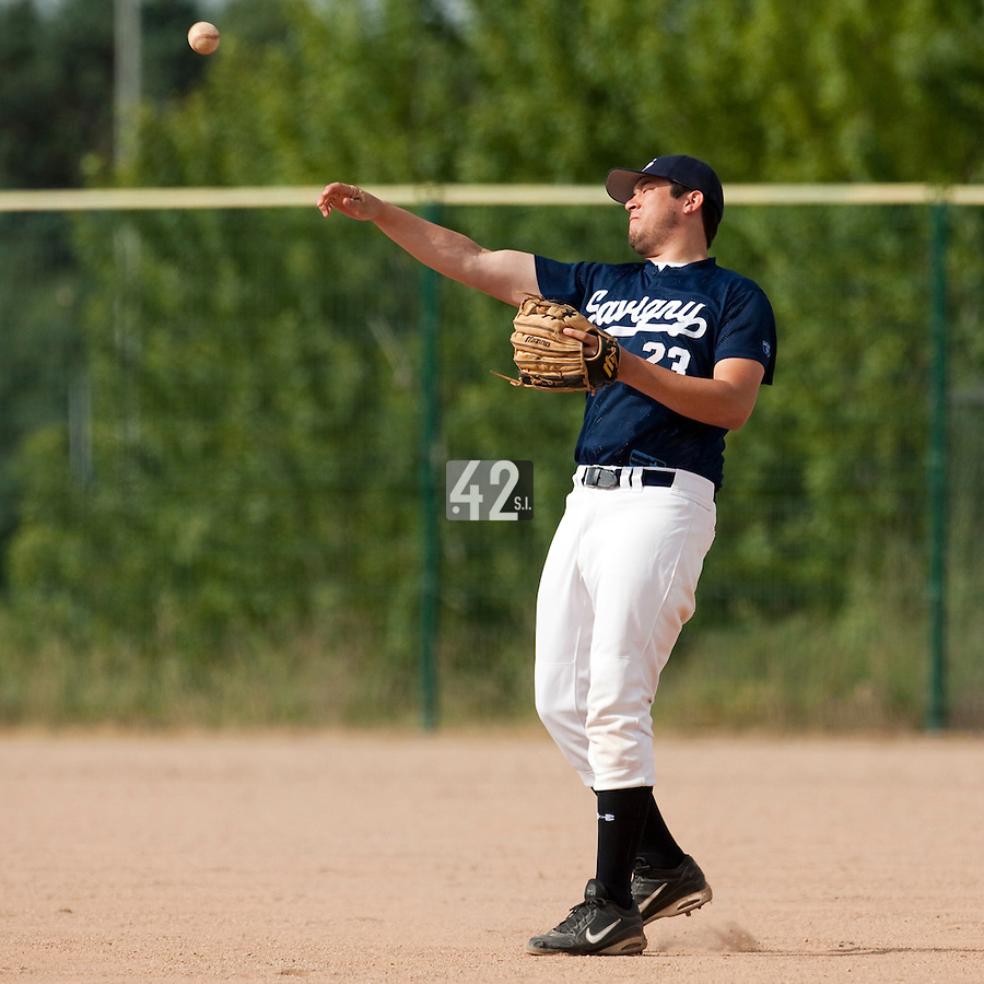 23 May 2009: Steven Huff of Savigny throws the ball during the 2009 challenge de France, a tournament with the best French baseball teams - all eight elite league clubs - to determine a spot in the European Cup next year, at Montpellier, France. Savigny wins 4-1 over Senart.