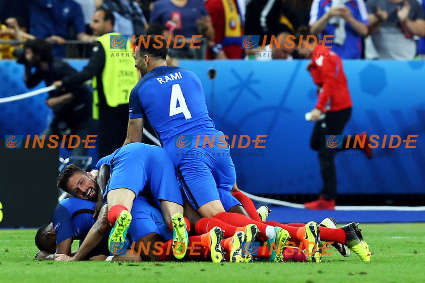 Esultanza Gol Dimitri Payet Francia Goal celebration 2-1<br /> Paris 10-06-2016 Stade de France football Euro2016 France - Romania  / Francia - Romania Group Stage Group A. Foto Matteo Ciambelli / Insidefoto