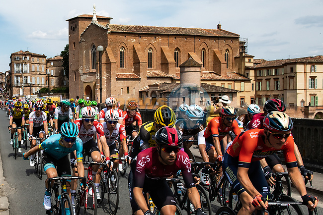 The peloton depart Albi at the start of Stage 11 of the 2019 Tour de France running 167km from Albi to Toulouse, France. 17th July 2019.<br /> Picture: ASO/Alex Broadway | Cyclefile<br /> All photos usage must carry mandatory copyright credit (© Cyclefile | ASO/Alex Broadway)