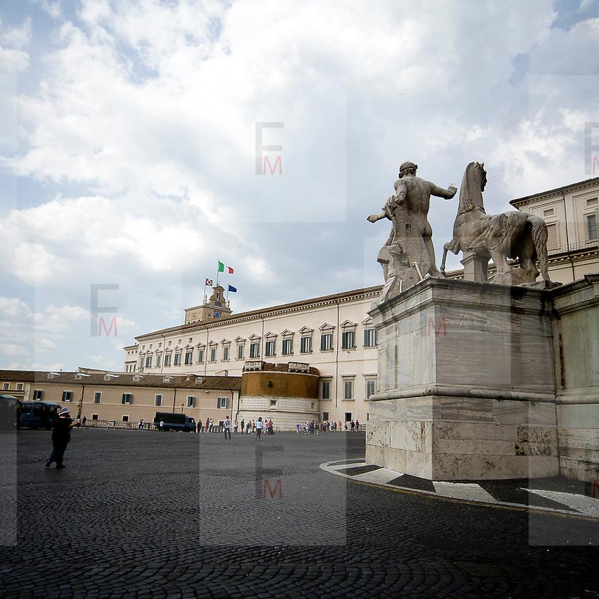 Fontana dei dioscuri sulla piazza del Quirinale<br /> The Dioscuri fountain on the Quirinale square
