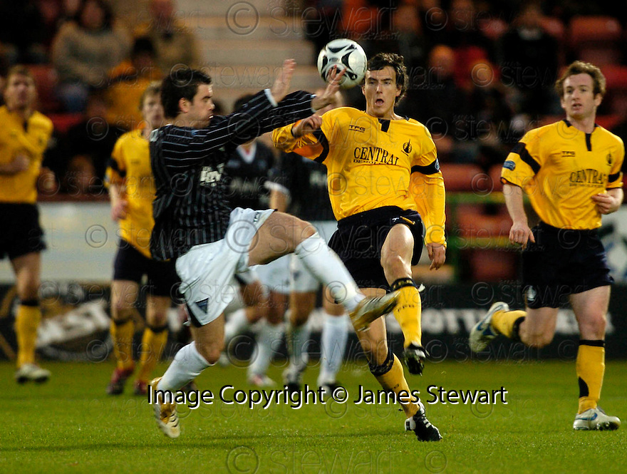 04/11/2006       Copyright Pic: James Stewart.File Name :sct_jspa12_dunfermline_v_falkirk.OWEN MORRISON AND ALAN GOW CHALLENGE.James Stewart Photo Agency 19 Carronlea Drive, Falkirk. FK2 8DN      Vat Reg No. 607 6932 25.Office     : +44 (0)1324 570906     .Mobile   : +44 (0)7721 416997.Fax         : +44 (0)1324 570906.E-mail  :  jim@jspa.co.uk.If you require further information then contact Jim Stewart on any of the numbers above.........
