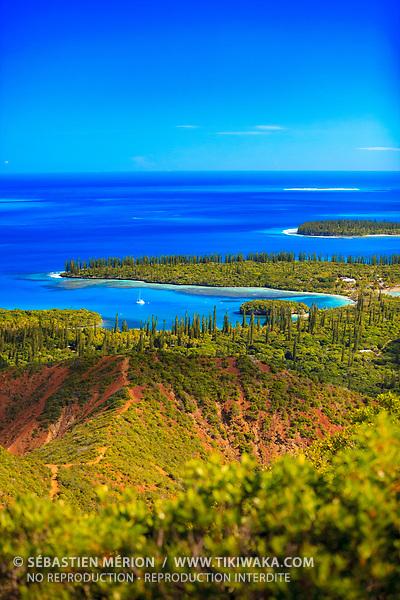La baie de Kanuméra vue depuis le Pic N'Ga, Ile des Pins, Nouvelle-Calédonie