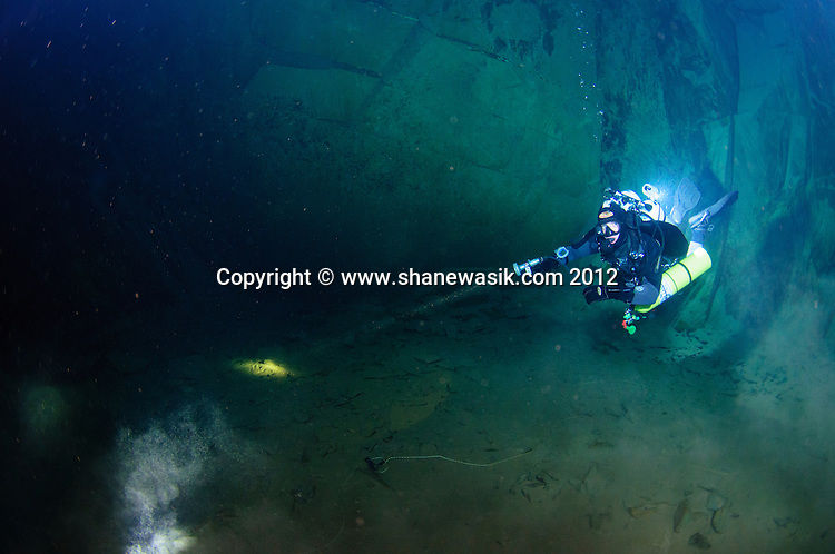 A diver in chamber 1, Hodge Close Mine