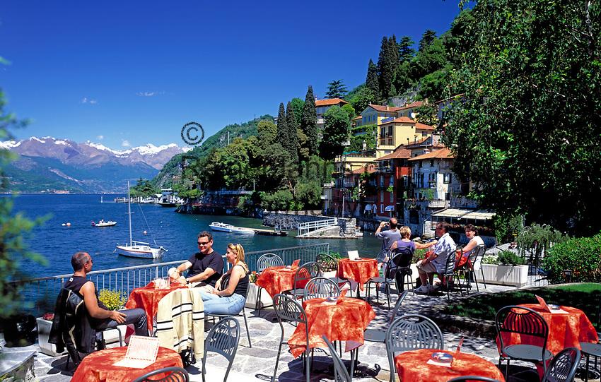 ITA, Italien, Lombardei, Comer See, Varenna: Cafe mit Seeblick  | ITA, Italy, Lombardia, Lake Como, Varenna: famous holiday resort - cafe