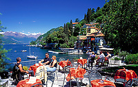 ITA, Italien, Lombardei, Comer See, Varenna: Cafe mit Seeblick  | ITA, Italy, Lombardia, Lake Como, Varenna: famous holiday resort - cafe