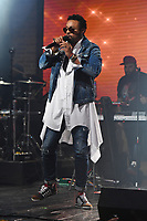 FORT LAUDERDALE FL - NOVEMBER 09: Shaggy performs at Revolution Live on November 9, 2017 in Fort Lauderdale, Florida. <br /> CAP/MPI04<br /> &copy;MPI04/Capital Pictures