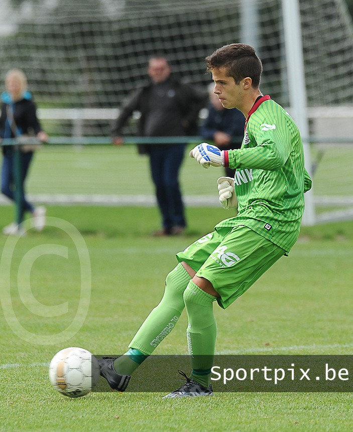 20150905 - WAREGEM , BELGIUM : Waregem 's Yarno De Nayer pictured during the Under 19 ELITE soccer match between SV Zulte Waregem and KVC Westerlo U19 , on the fourth matchday in the -19 Elite competition. Wednesday 5 September 2015. PHOTO DAVID CATRY
