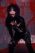 MOTLEY CRUE, STUDIO, 1984, BLOOD SESSION, NEIL ZLOZOWER