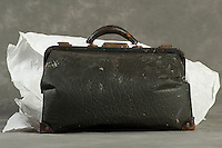 Willard Suitcases / Sylvester R / ©2014 Jon Crispin