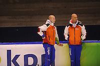 SCHAATSEN: HEERENVEEN: 30-10-2014, IJsstadion Thialf, Topsporttraining, Jeroen van der Lee (trainer/coach Jong Oranje), Emiel Kluin, ©foto Martin de Jong