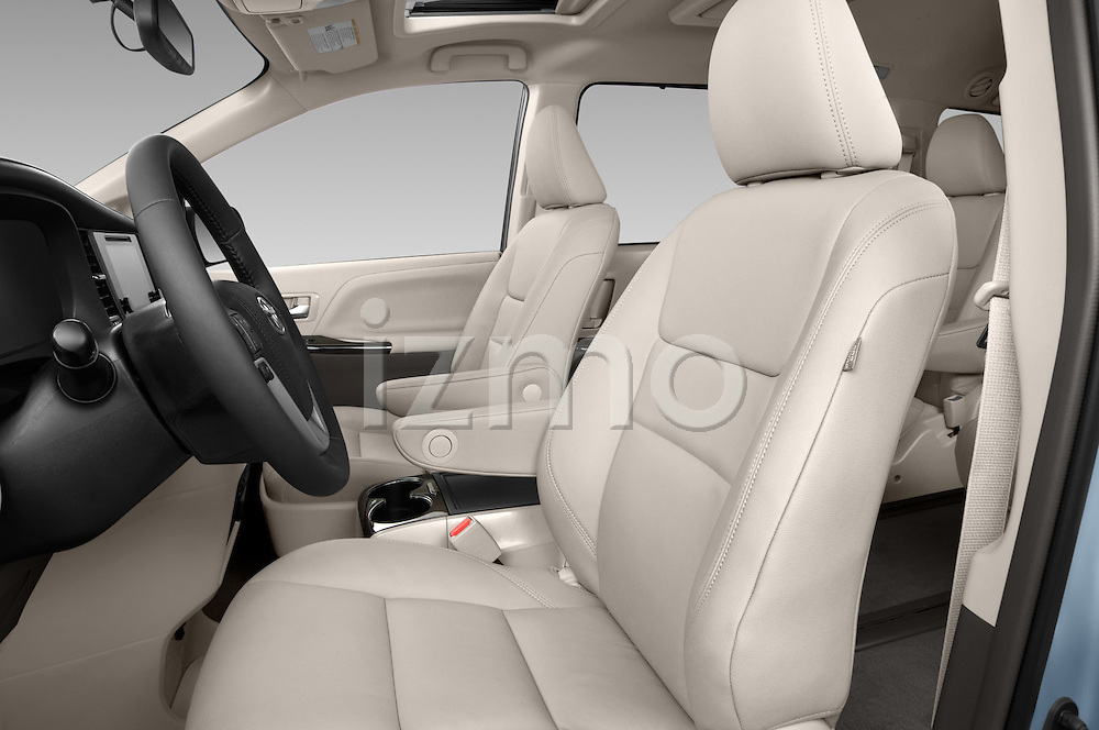 Front seat view of 2017 Toyota Sienna XLE 5 Door Minivan Front Seat  car photos
