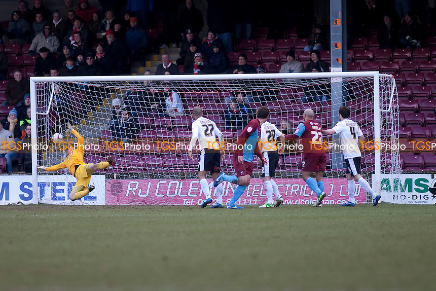 Niall Canavan (Scunthorpe Utd) scores the 2nd.- Scunthorpe United vs Leyton Orient - NPower League One Football at Glanford Park - 29/03/13 - MANDATORY CREDIT: Mark Hodsman/TGSPHOTO - Self billing applies where appropriate - 0845 094 6026 - contact@tgsphoto.co.uk - NO UNPAID USE.