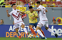 TAMPA - ESTADOS UNIDOS, 10-09-2019: Luis Diaz jugador de Colombia disputa el balón con Bernardo Añor y Wilker Angel jugadores de Venezuela durante partido amistoso amistoso entre Colombia y Venezuela jugado en el Raymond James Stadium en Tampa, Estados Unidos. / Luis Diaz player of Colombia fights the ball with Bernardo Añor, and Wilker Angel players of Venezuela during a friendly match between Colombia and Venezuela played at Raymond James Stadium in Tampa, Estados Unidos. Photo: VizzorImage / Cristian Alvarez / Cont