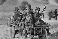 - NATO exercises in Turkey, U.S. paratroopers (October 1984)....- esercitazioni NATO in Turchia, paracadutisti USA (ottobre 1984)