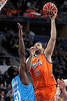 Valencia Basket Club's Victor Faverani (r) and Asefa Estudiantes' Lamont Barnes during Spanish Basketball King's Cup match.February 07,2013. (ALTERPHOTOS/Acero) /NortePhoto