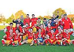 2015-11-01 / voetbal / seizoen 2015-2016 / Retie - Vorselaar / Retie is periodekampioen en dat wordt uitbundig gevierd door de ploeg