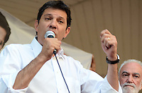 SAO PAULO, 10 DE AGOSTO DE 2012 - ELEICOES 2012 HADDAD - Candidato Fernando Haddad durante lancamento da candidatura a vereador de Manoel Del Rio, na praca da republica regiao central da capital, na tarde desta sexta feira. FOTO: ALEXANDRE MOREIRA - BRAZIL PHOTO PRESS